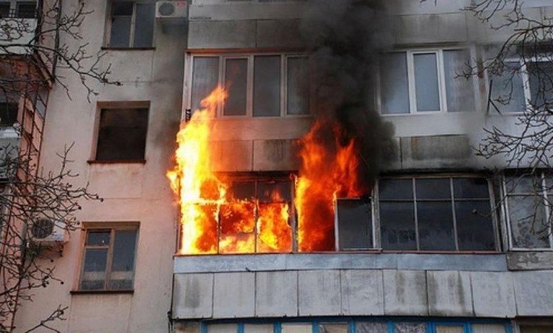 В Ульяновске в ночном пожаре погиб мужчина