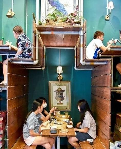 В Японии есть вот такие креативные кафешки