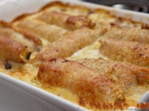 Рулетики мясные к праздничному столу  Ингредиенты: Свиное филе - 700...