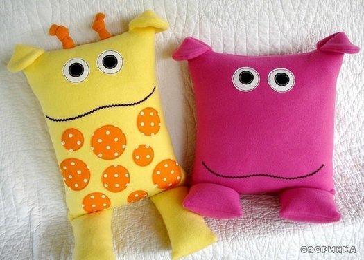 Забавные игрушки-подушки