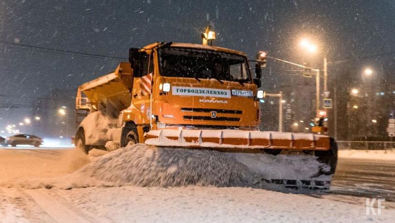 Для уборки снега ночью в Казани количество спецтехники увеличат в 2 раза