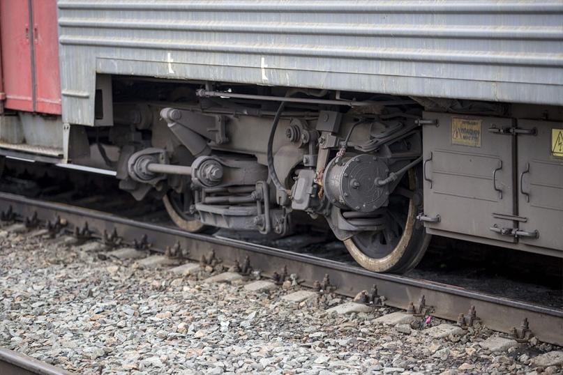 Под Новосибирском поезд насмерть сбил 20-летнего парня  Трагедия произошла на станции Татарская во вторник, 12 октября.... Новосибирск