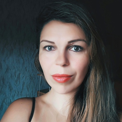Юлия Иванова, Санкт-Петербург