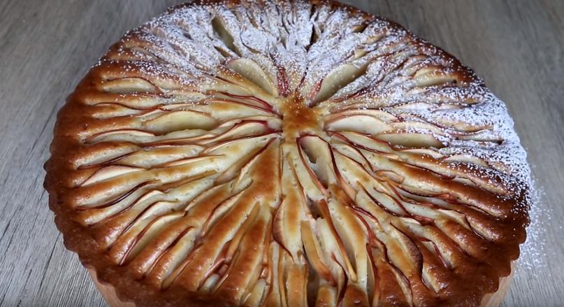Неимоверно нежный яблочный пирог, изображение №8