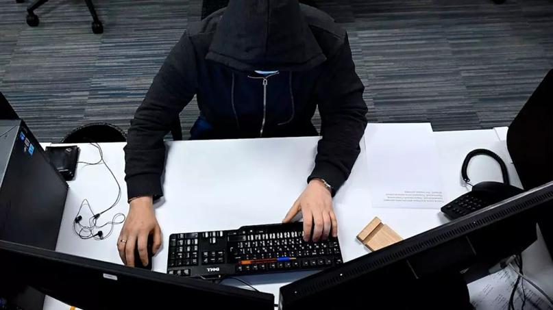 Программист смог получить доступ к камерам наблюдения и сервисам РЖД. Он предупр...