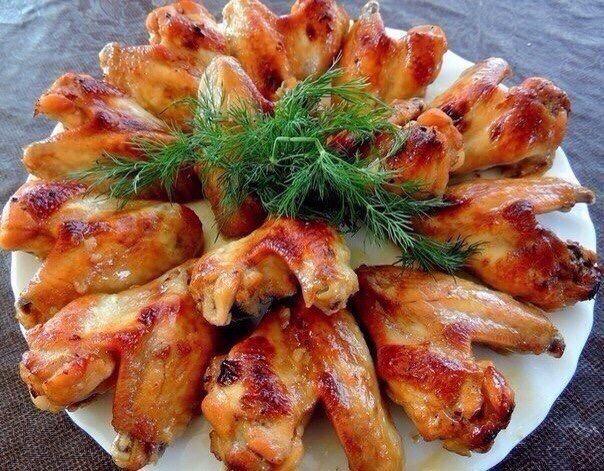 Куриные крылышки в соусе ????  1 кг куриных крылышек 2...