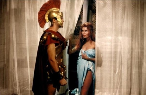 Мессалине исполнилось 15 лет, когда ее выдали замуж за императора Клавдия. Для з...