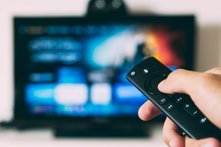 Мининформ прекратил вещание двух российских телепрограмм в Беларуси