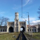 15 мая-  Блеск и нищета Петергофской дороги.