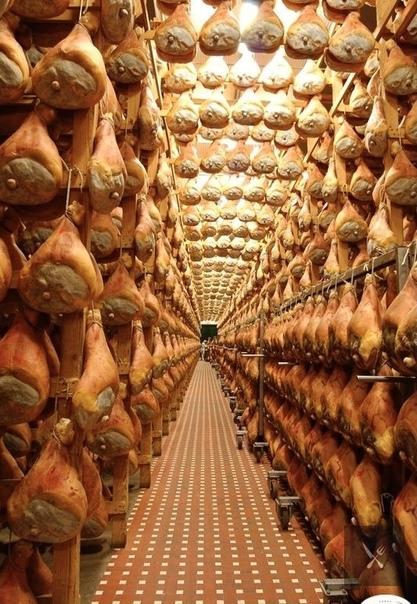 Рай для любителей мяса!