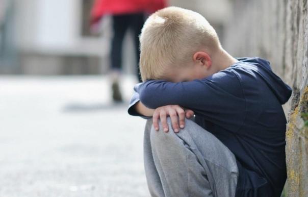 В Моcкве мать на 5 сyток оcтавила 10-летнего мальчика бeз еды и света