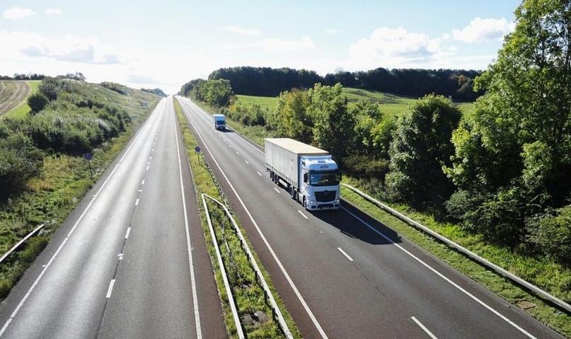В Англии впервые в мире проложат дорогу из асфальта с графеном: он позволяет уве...