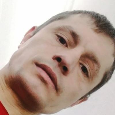 Максим Маслов