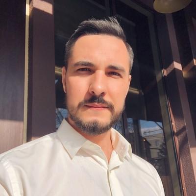 Влад Макушев