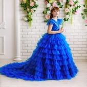 """Платье синего цвета  """"Сапфир"""" с длинным шлейфом"""
