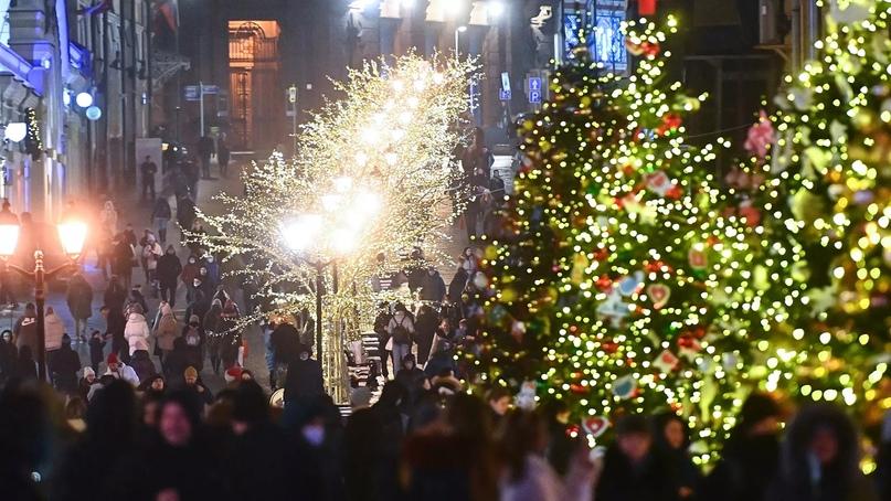 Новогодние выходные в России продлятся с 1 по 9 января.