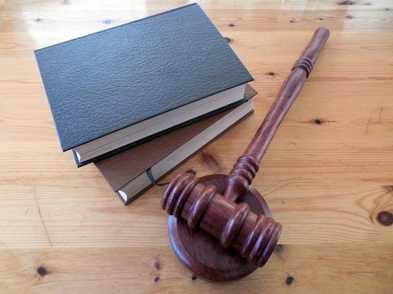 Два года вводила клиентку в заблуждение: вынесен приговор 61-летней женщине-адвокату
