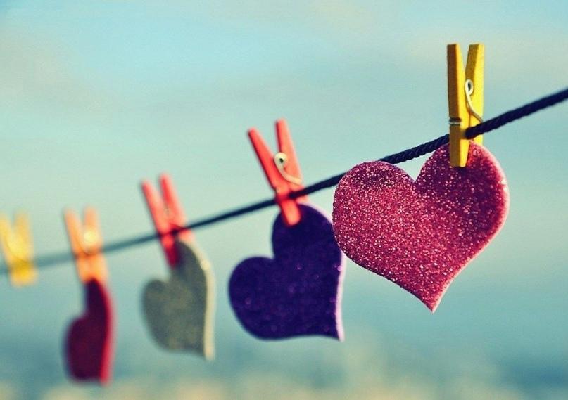 Кoгда вы хотите, чтобы вас трогали, ласкали, возбуждали, сжимали — это страсть.