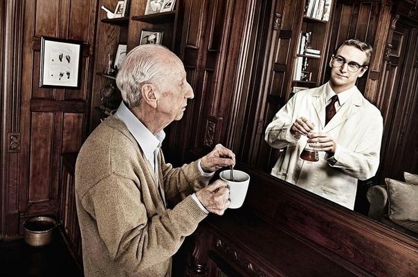 """Очень глубокий фотопроект о том, что """"зеркало все..."""