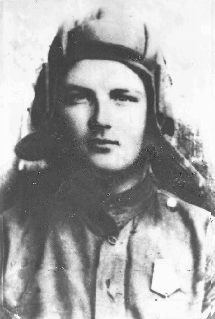 Ловенецкий Степан Александрович - механик-водитель самоходной артиллерийской уст...