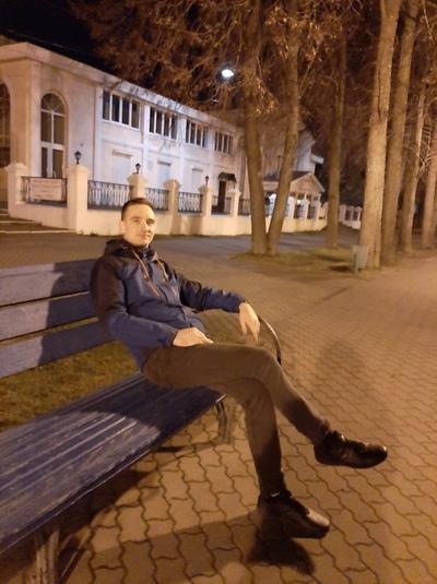 Максим Зотов