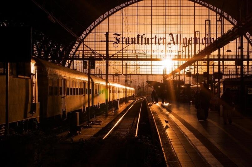 Я люблю вокзалы. Люблю за атмосферу деловитой суеты, за запах креозота, за приво...