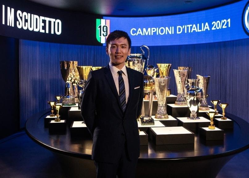 Президент «Интера» Стивен Чжан высказался по поводу ухода тренера Антонио Конте...