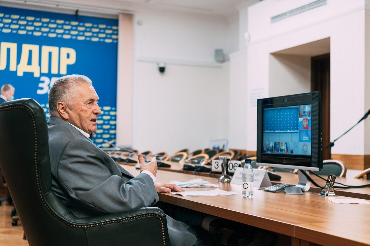 фото из альбома Владимира Жириновского №7