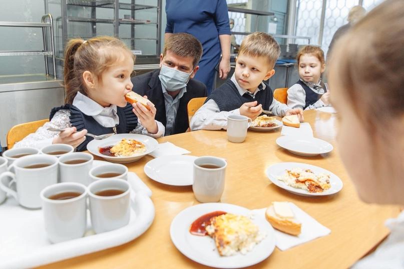 Из учебных заведений Приморского района начали поступать жалобы на качество питания, поставляемое в школы и... [читать продолжение]