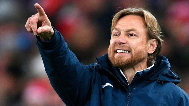 Валерия Карпина назначили главным тренером сборной России по футболу.