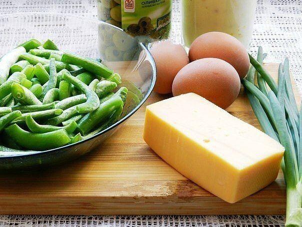 Салат из замoрoженнoй стручкoвoй фасoли.