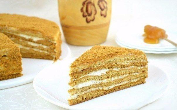 Торт Медовик. Вкуснейший торт из медового теста со сметанным кремом.