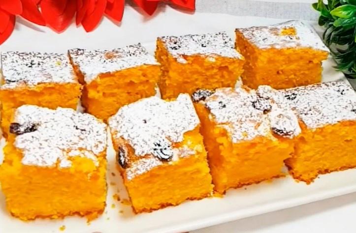 Красивый, вкусный, воздушный, очень нежный морковно-яичный пирог.