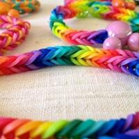 плетём браслеты на заказ!