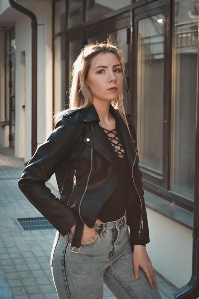 Лиzка Шонина