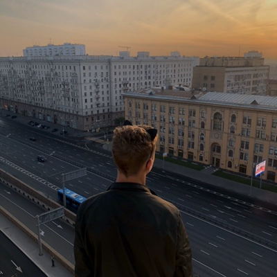 Влад Буриков, Москва