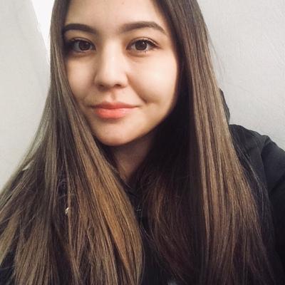 Бота Султанова, Алматы