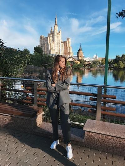 Лена Соколова, Москва