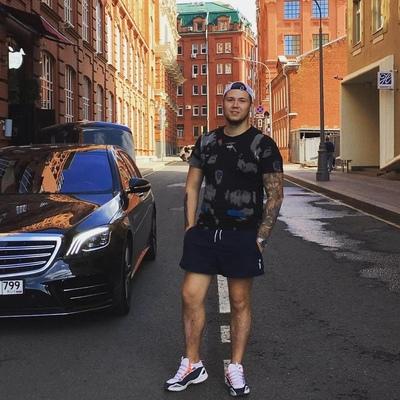 Максим Ермолаев