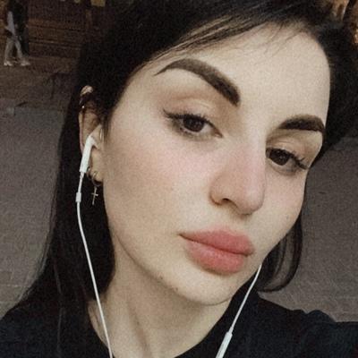 Аня Ананикова, Санкт-Петербург