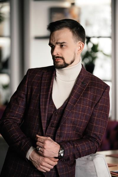 Виталий Вивчар, Томск