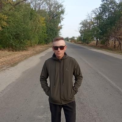 Вова Волков, Новоазовск