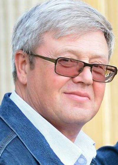 Виктор Стогов
