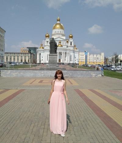 Аня Тарасова, Санкт-Петербург