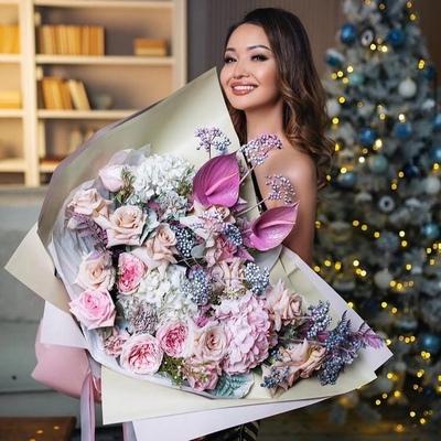 Аша Матай, Алматы