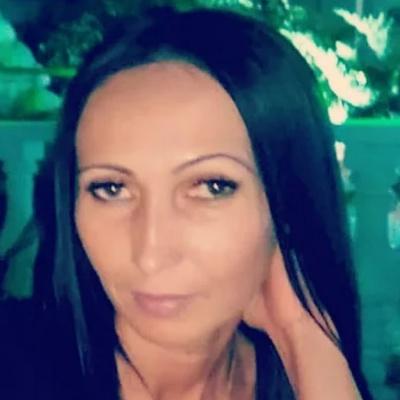 Oksana Burlet