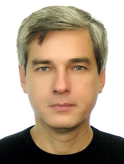 Альберт Густов