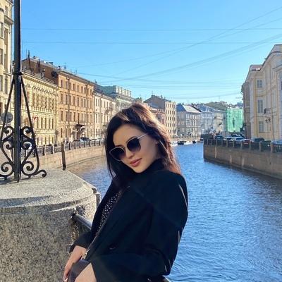 Фатима Туташбекова, Москва