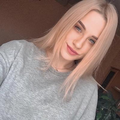 Настёна Лазарева