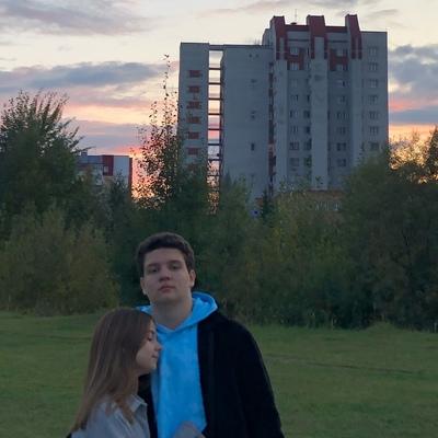 Максим Хомячков